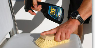 Boat Seat Cleaner