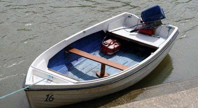 Best Portable Marine Fuel Tank For Small Boats