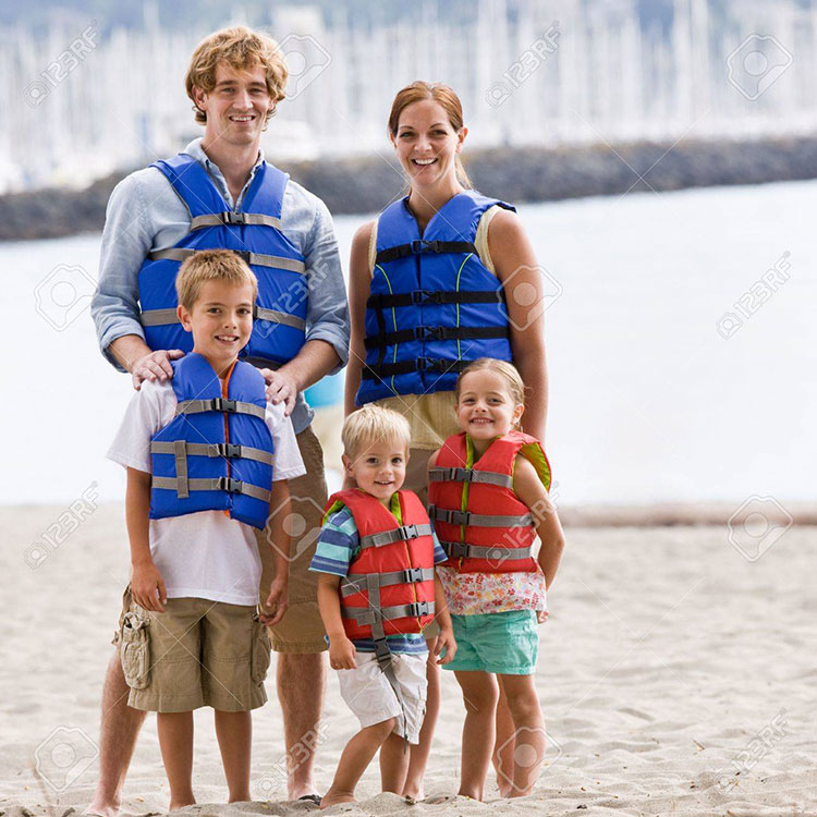 family-wearing-life-jackets